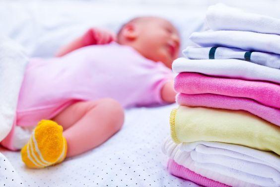lavar roupa de bebê